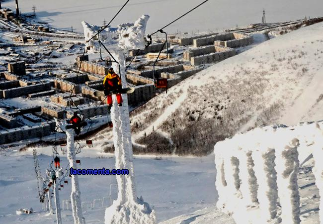 The most complete catalog of ski resorts in Russia on the map. Where to go snowboarding and skiing in Russia. Where to buy ski tours.