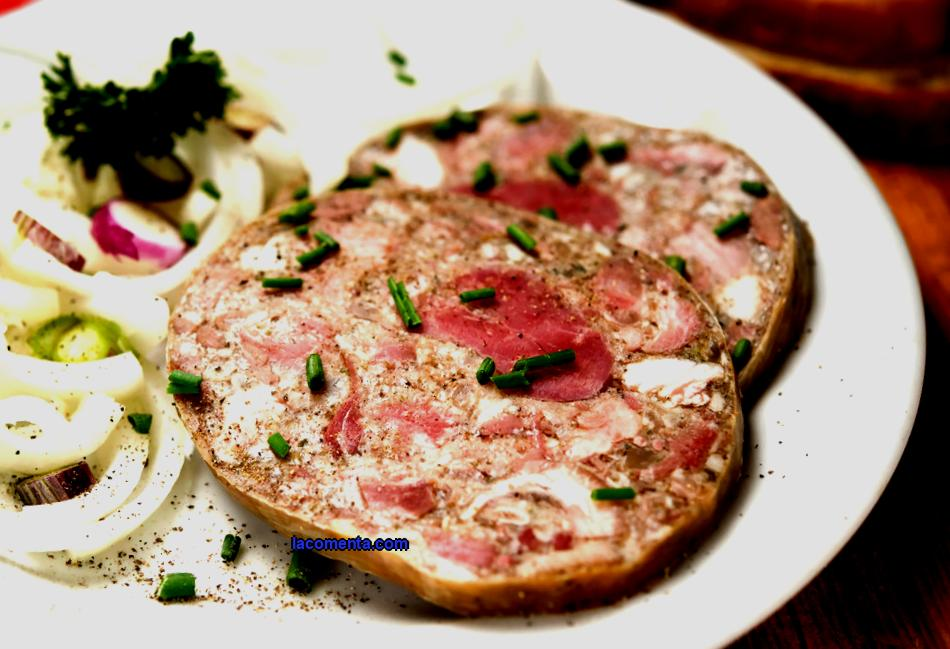 The Czech Republic, in addition to history, art and beautiful legends, is also famous for its national cuisine - hearty, tasty, but inexpensive. There is a delicacy for every taste. Local food tastes good and does not have exotic ingredients that can cause negative reactions in the body. Prague Most popular dishes