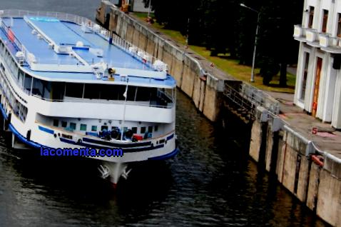 What is river tourism