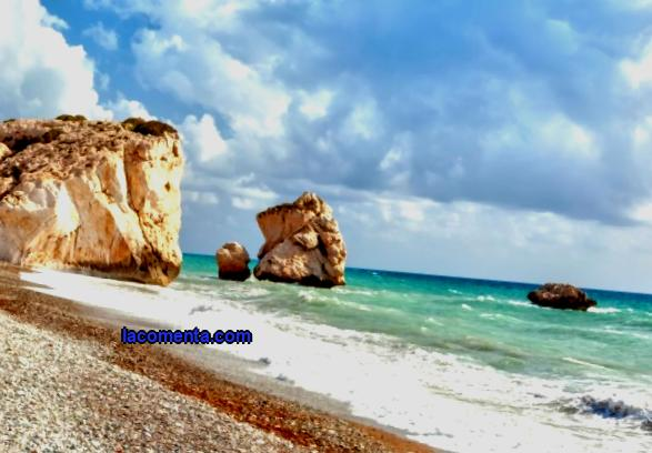 Cyprus or Greece: what to choose for families with children at sea and how to save on travel