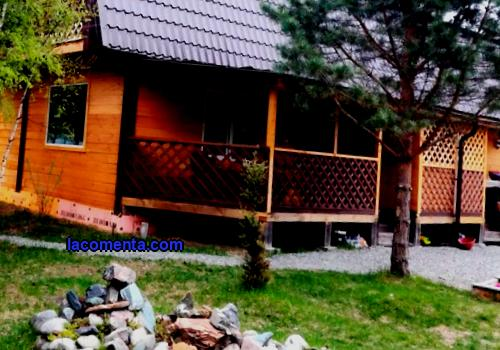 Description of inexpensive recreation centers in the Altai mountains, prices for accommodation, offered entertainment, amenities, excursions. What to do on vacation in this region.