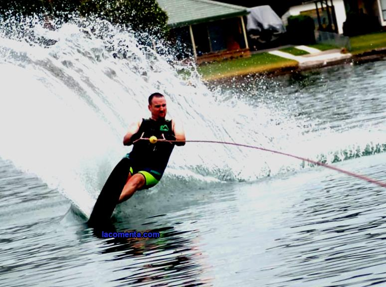 Water skiing - inexpensive sports extreme tourism